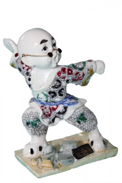 Gongfu Figuren ca. 9cm. Verpackung Infos für B2B Kunden: 8 Modell sortiert. VE 24 Stück.